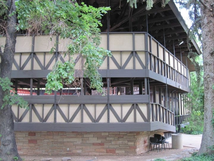 5 differences between Shakespeare's Globe and Utah Shakespeare Festival's Adams Theatre