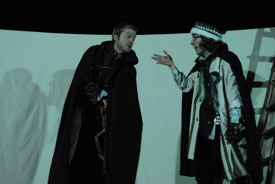 Grassroots's RICHARD III is a bloody good time