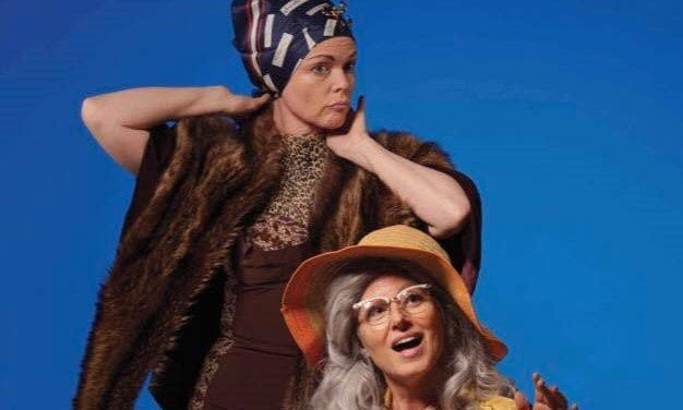 A harrowing, poignant GREY GARDENS at Lyric Rep